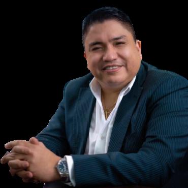 Dr. Miguel Cáceres